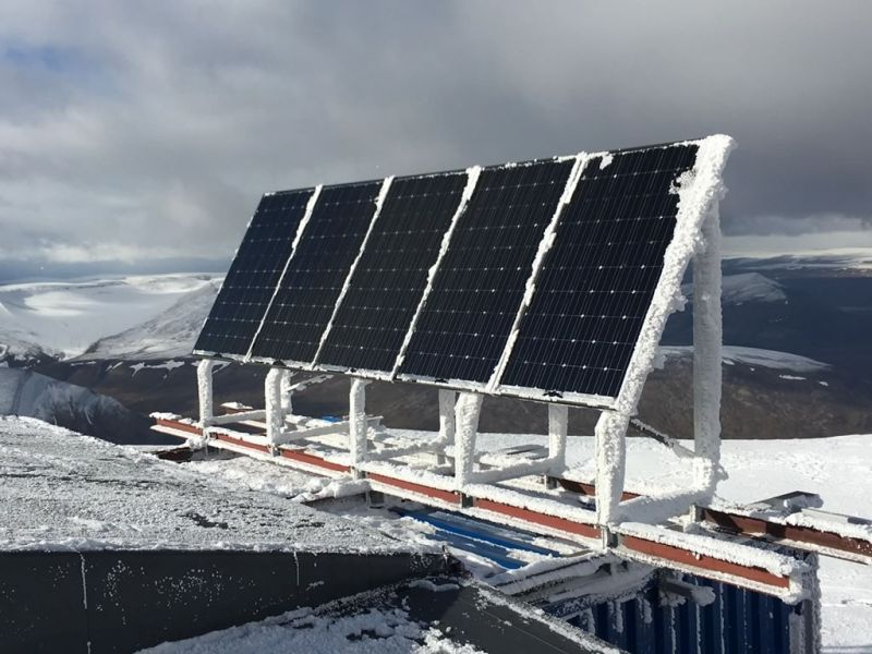 1.35 kWp PV-system with Luxor Solar modules at Spitzbergen - Norway